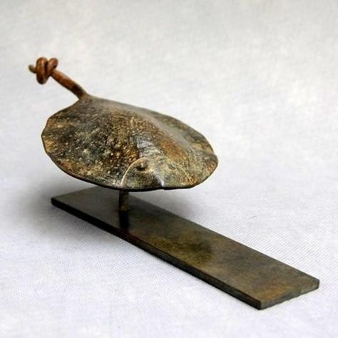 Sculpture bronze animalier - La plie L27 x H8 cm