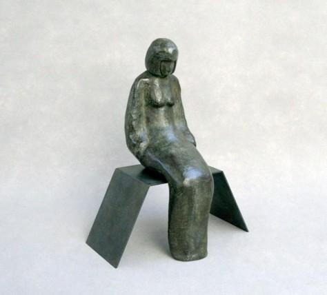 Sculpture bronze personnage - La dame assise
