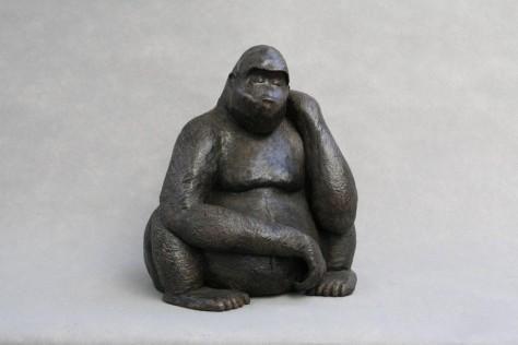 Sculpture terre cuite animalier - Le gorille – H45 cm